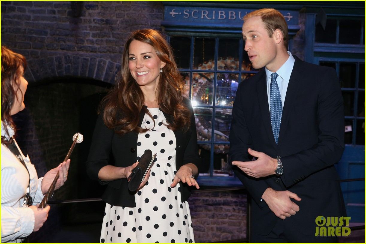 kate middleton prince william harry potter wand battle 062859037