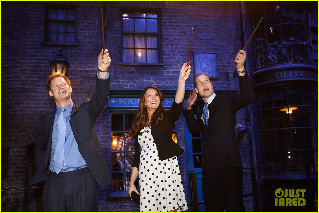kate middleton prince william harry potter wand battle 102859041