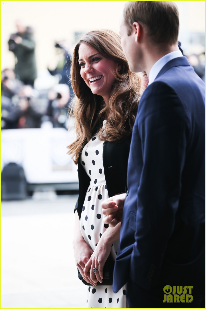 kate middleton prince william harry potter wand battle 162859047
