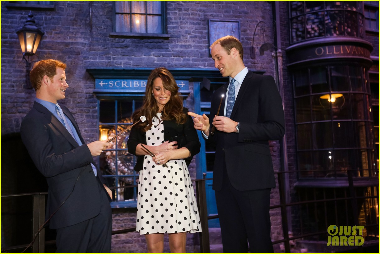 kate middleton prince william harry potter wand battle 182859049