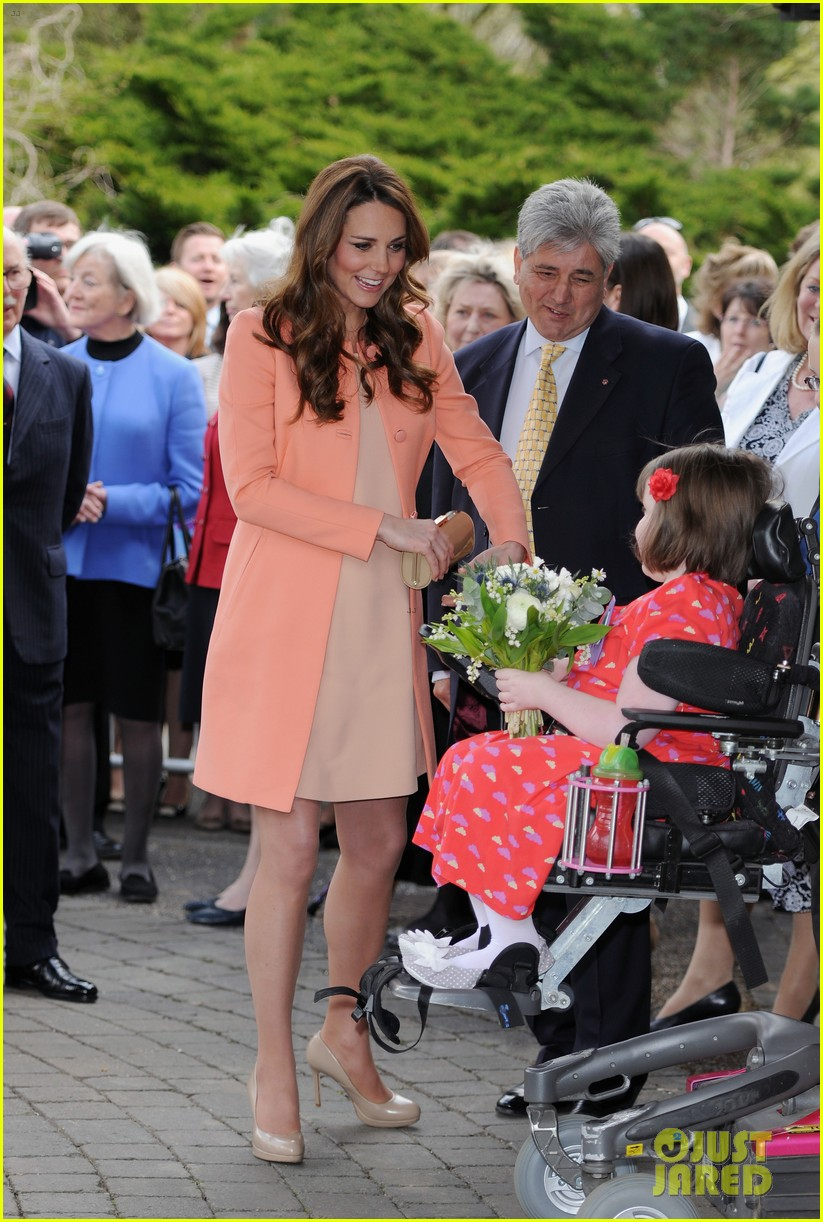 kate middleton visits naomi house speaks in recorded video 012860497
