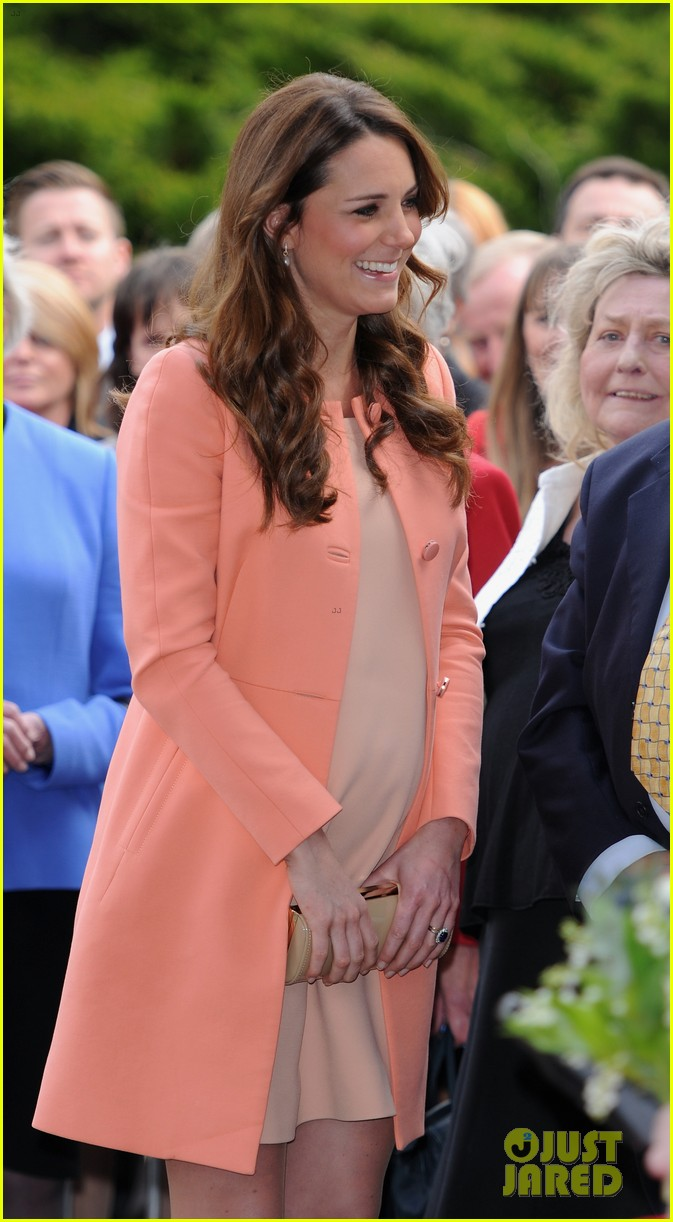 kate middleton visits naomi house speaks in recorded video 022860498