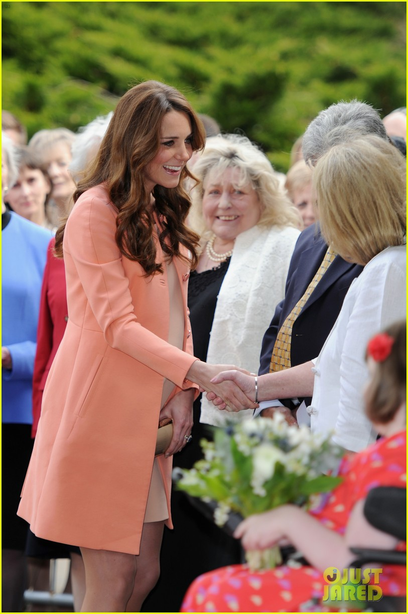 kate middleton visits naomi house speaks in recorded video 072860503
