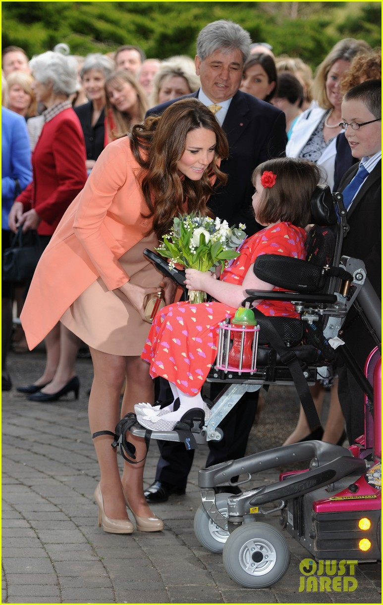 kate middleton visits naomi house speaks in recorded video 092860505