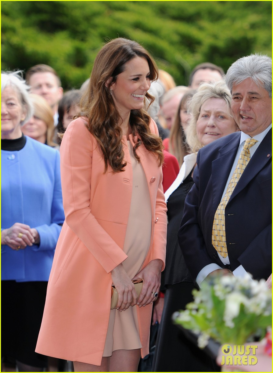 kate middleton visits naomi house speaks in recorded video 102860506