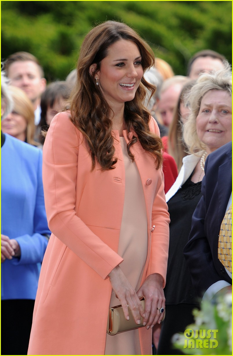 kate middleton visits naomi house speaks in recorded video 122860508