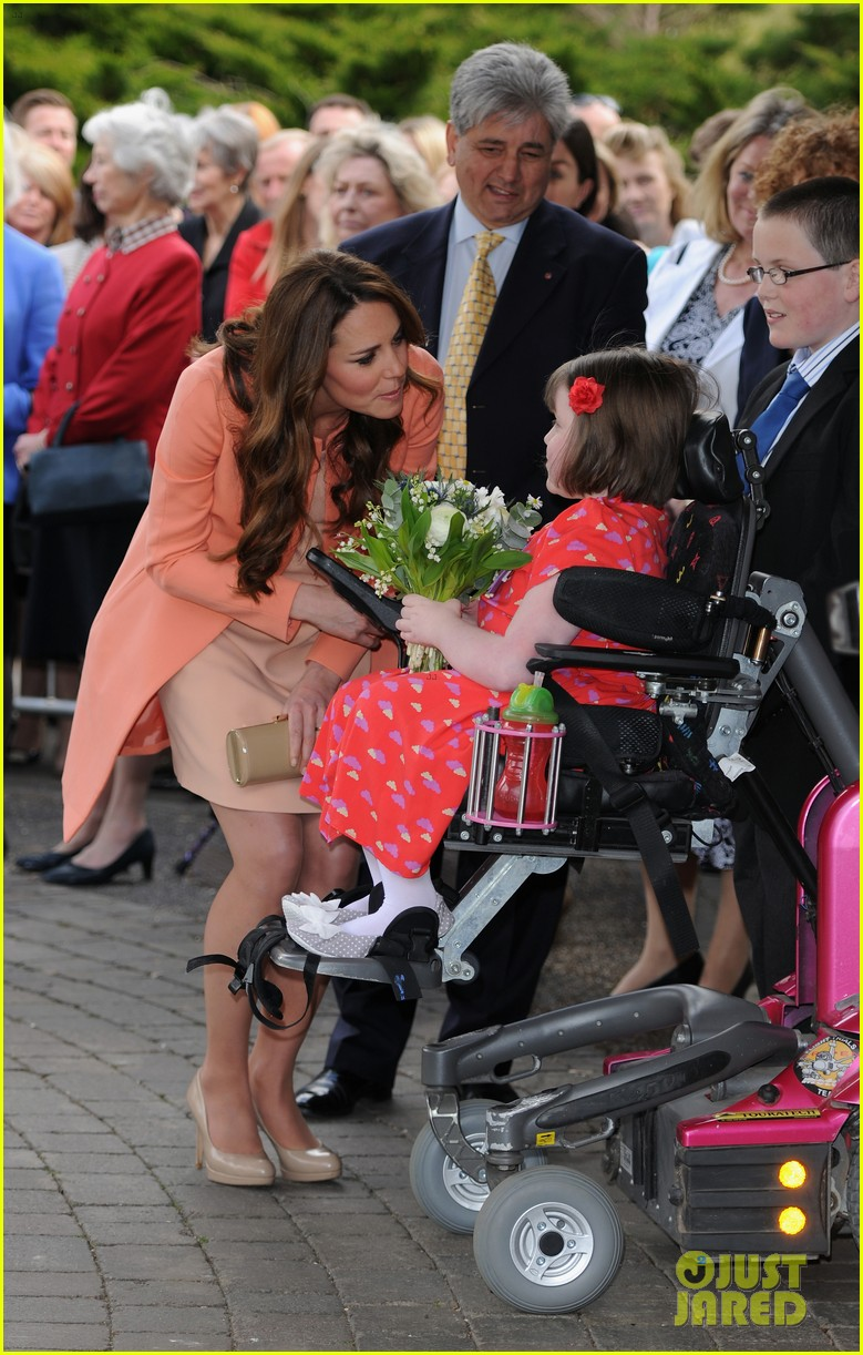 kate middleton visits naomi house speaks in recorded video 152860511