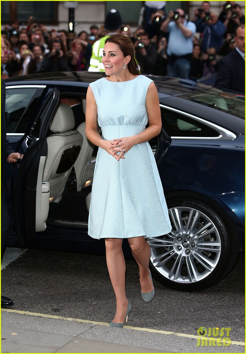 kate middleton baby bump at art room reception 112857303