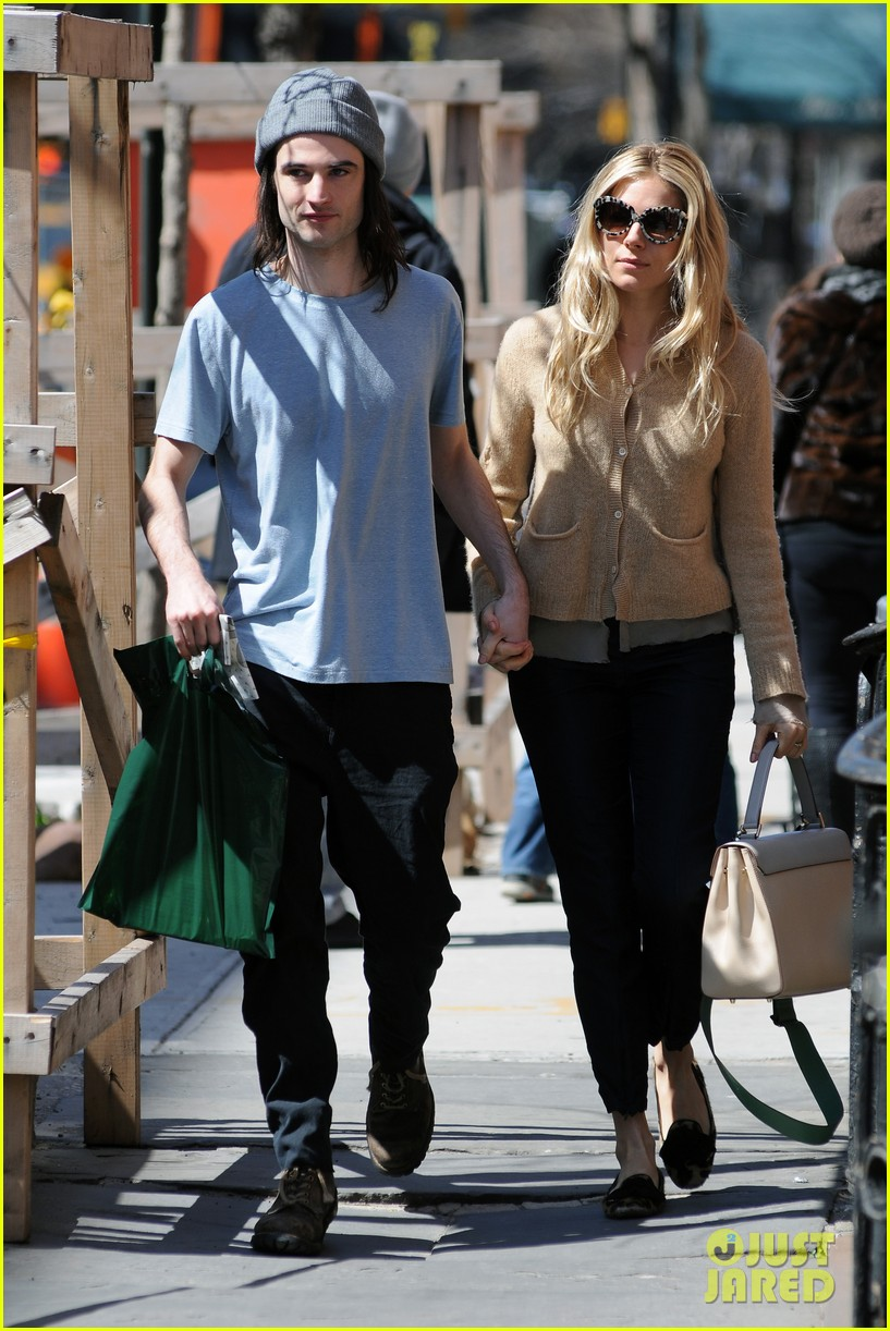 sienna miller tom sturridge west village lunch lovebirds 162843150
