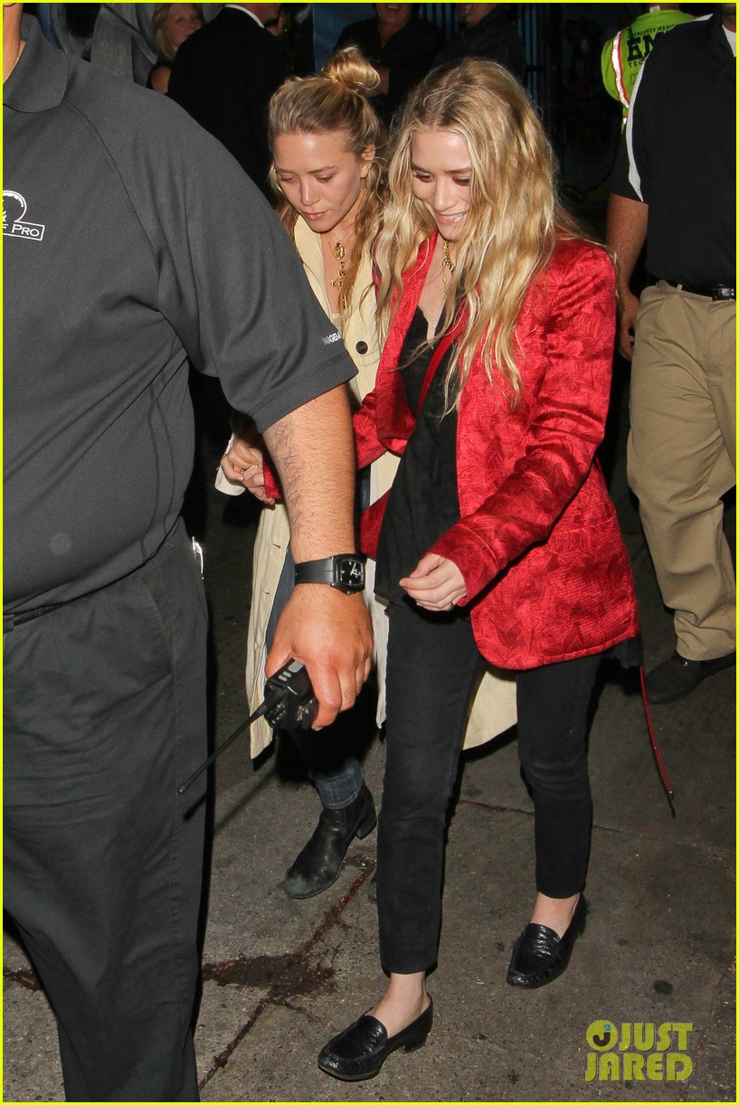 mary kate ashley olsen rolling stones concert 012859972