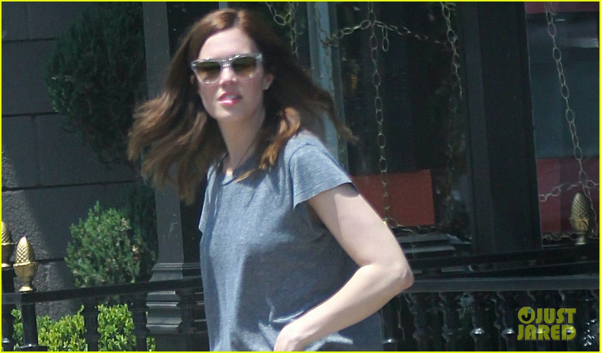 mandy moore sunny shopping day in hollywood 042857212