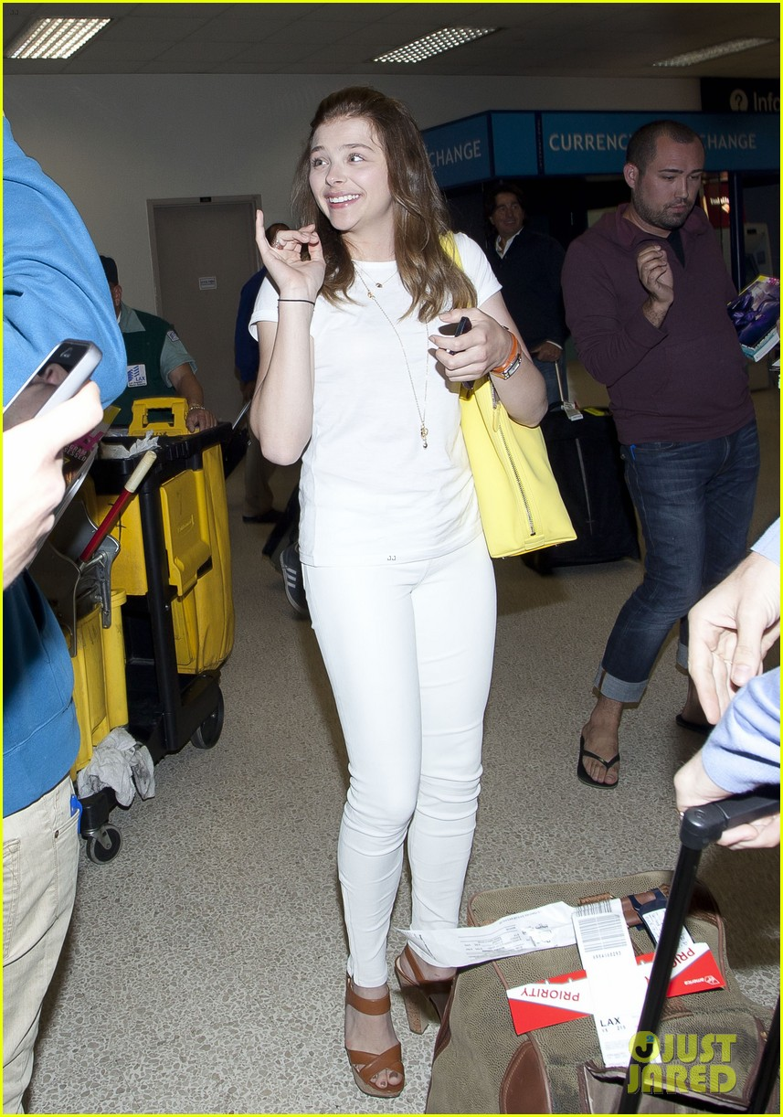 chloe moretz from cancun to lax 022855470