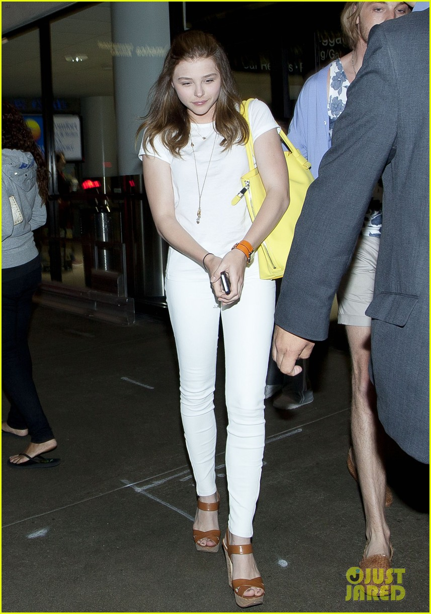 chloe moretz from cancun to lax 062855474