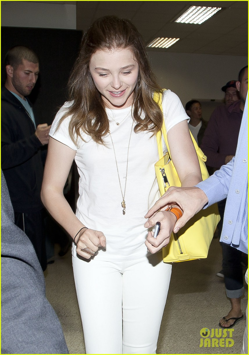 chloe moretz from cancun to lax 102855478