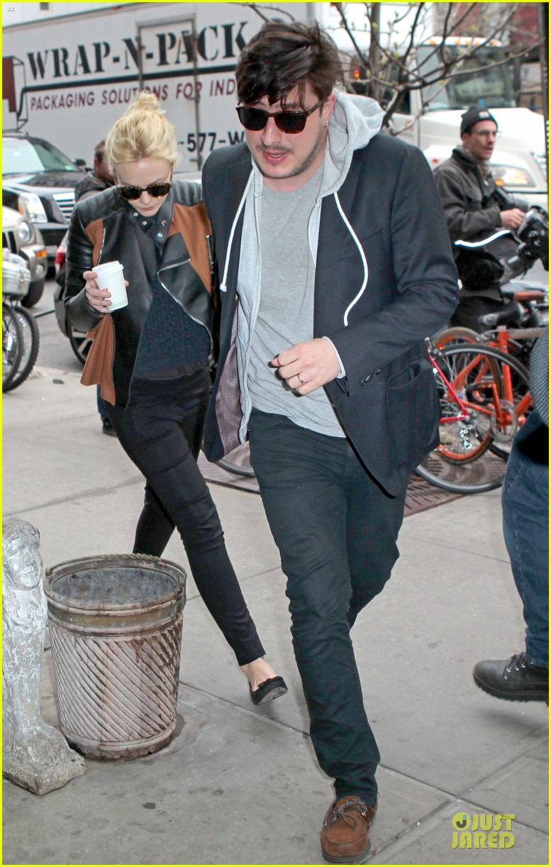 carey mulligan marcus mumford holding hands in the east village 012856672