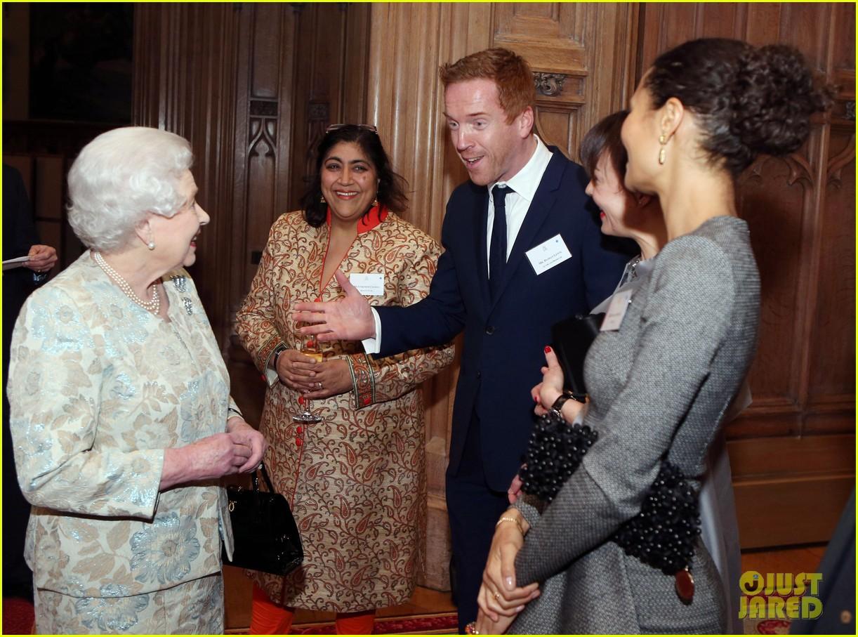 carey mulligan eddie redmayne meet queen at film reception 152843823