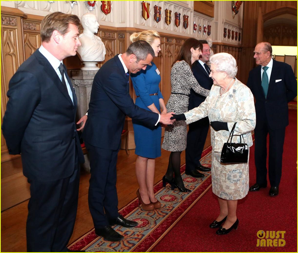 carey mulligan eddie redmayne meet queen at film reception 172843825