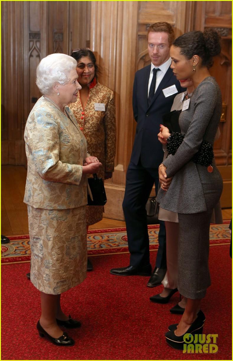 carey mulligan eddie redmayne meet queen at film reception 182843826