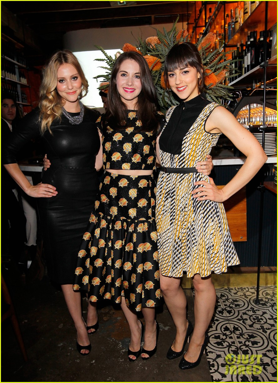 dianna agron olivia munn vogue triple threats dinner 032843793