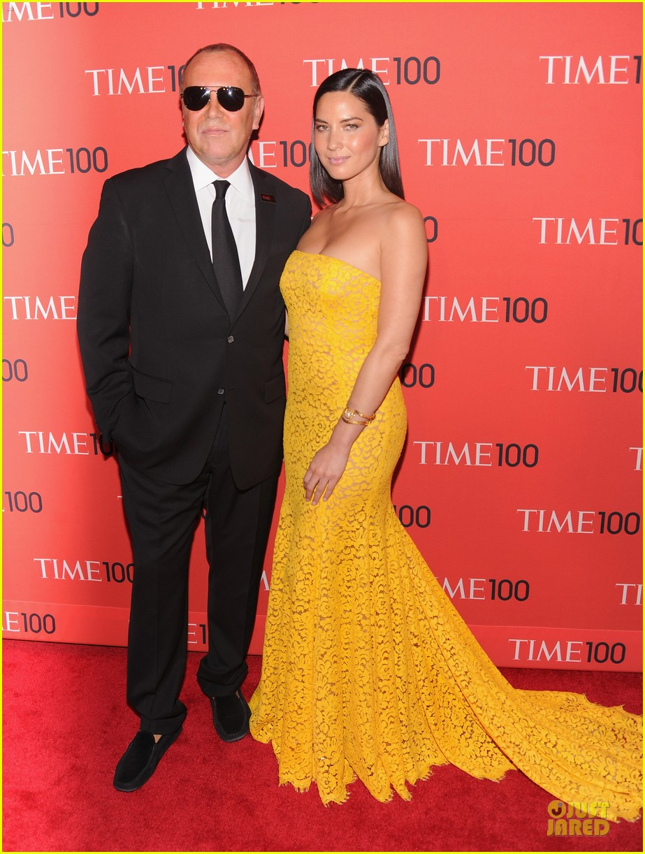 olivia munn amy poehler time 100 gala red carpet 012856916
