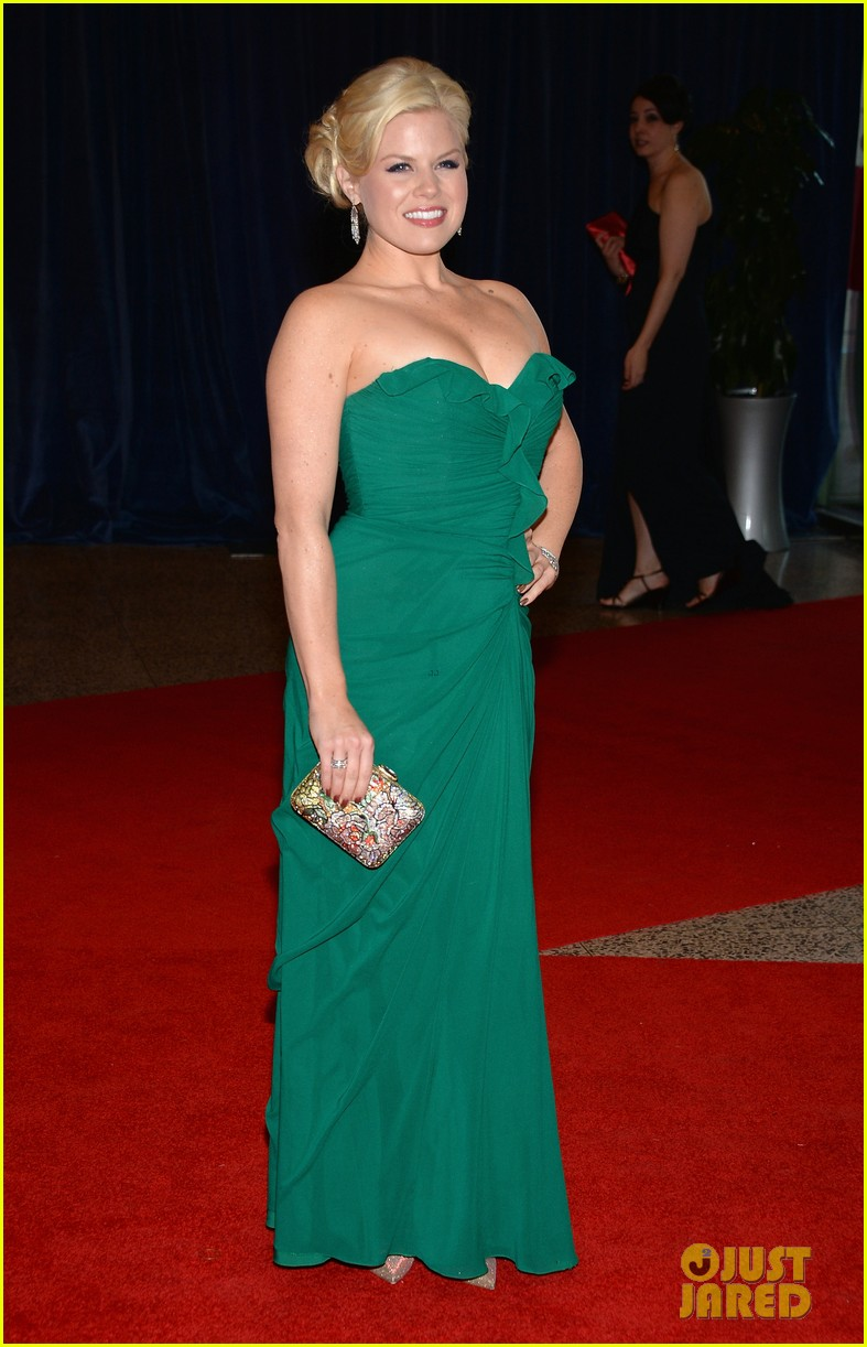 olivia munn megan hilty white house correspondents dinner 2013 062859684