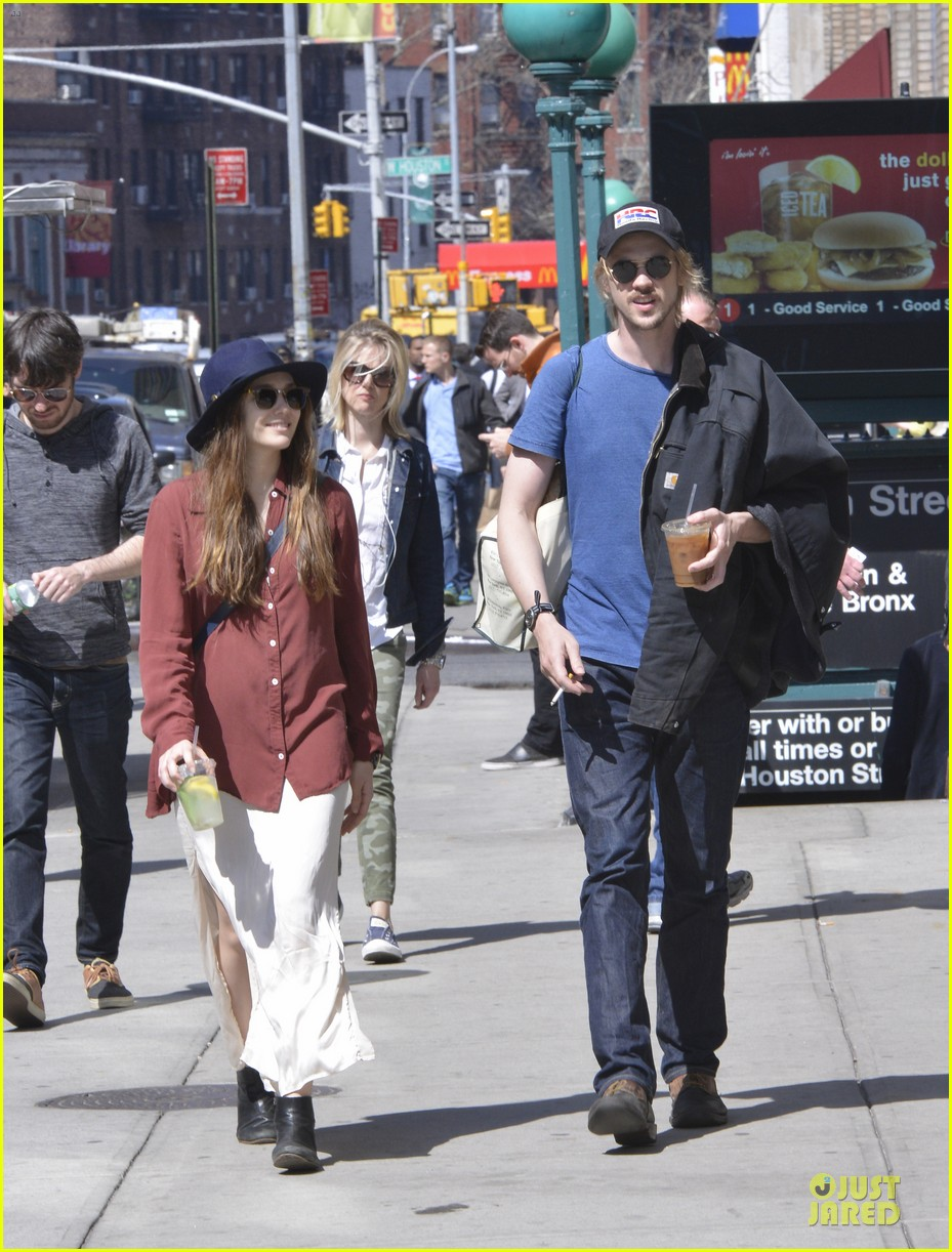 elizabeth olsen boyd holbrook soho strolling couple 102845873