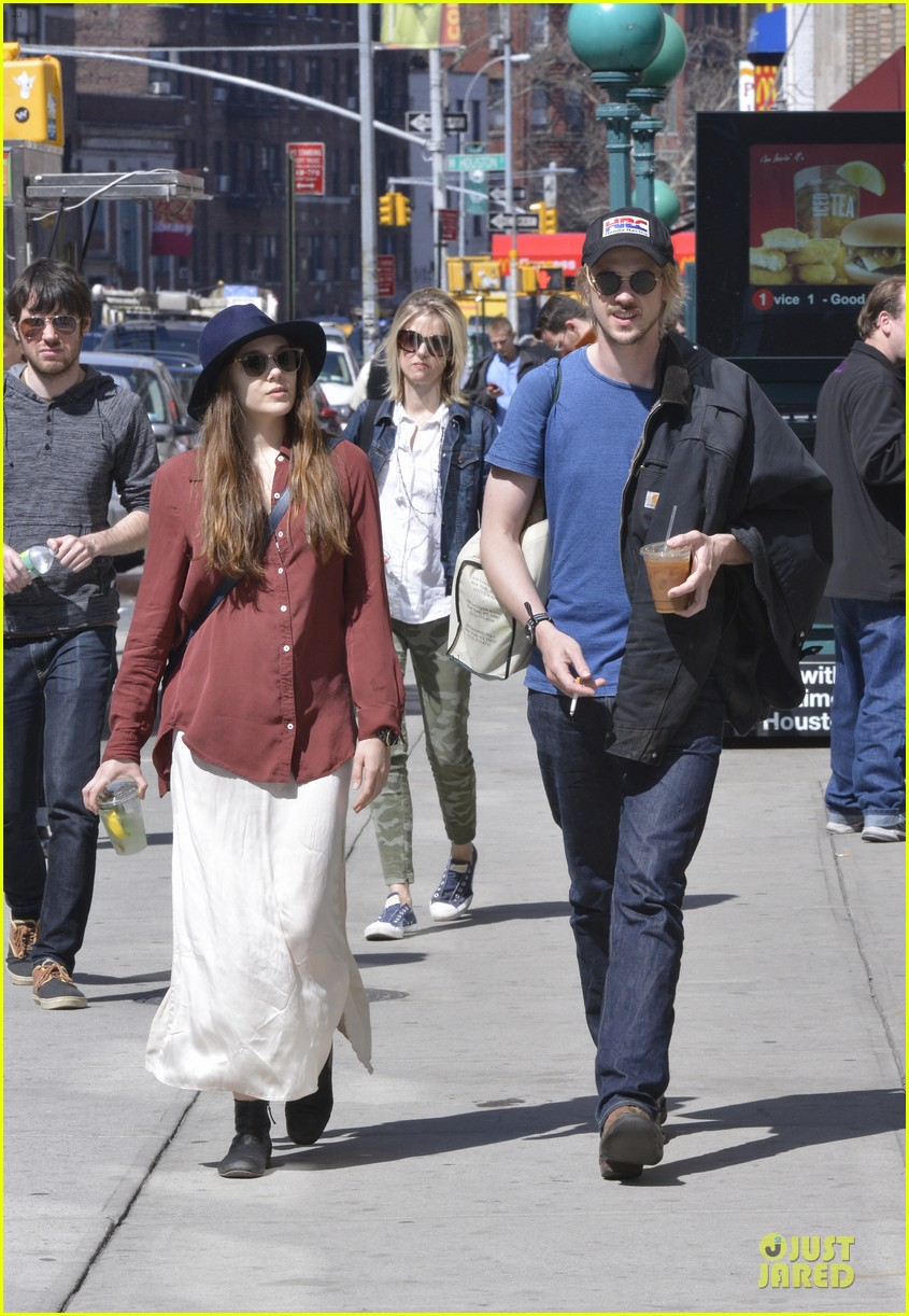 elizabeth olsen boyd holbrook soho strolling couple 112845874