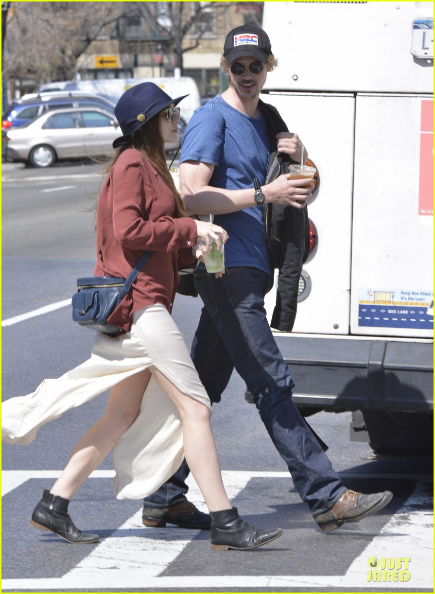 elizabeth olsen boyd holbrook soho strolling couple 202845883