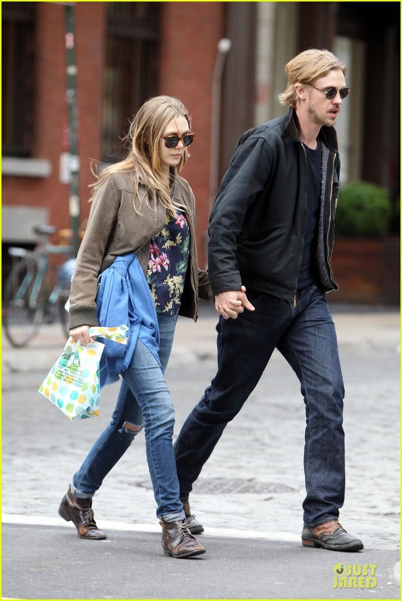 elizabeth olsen boyd holbrook holding hands in soho 122854141