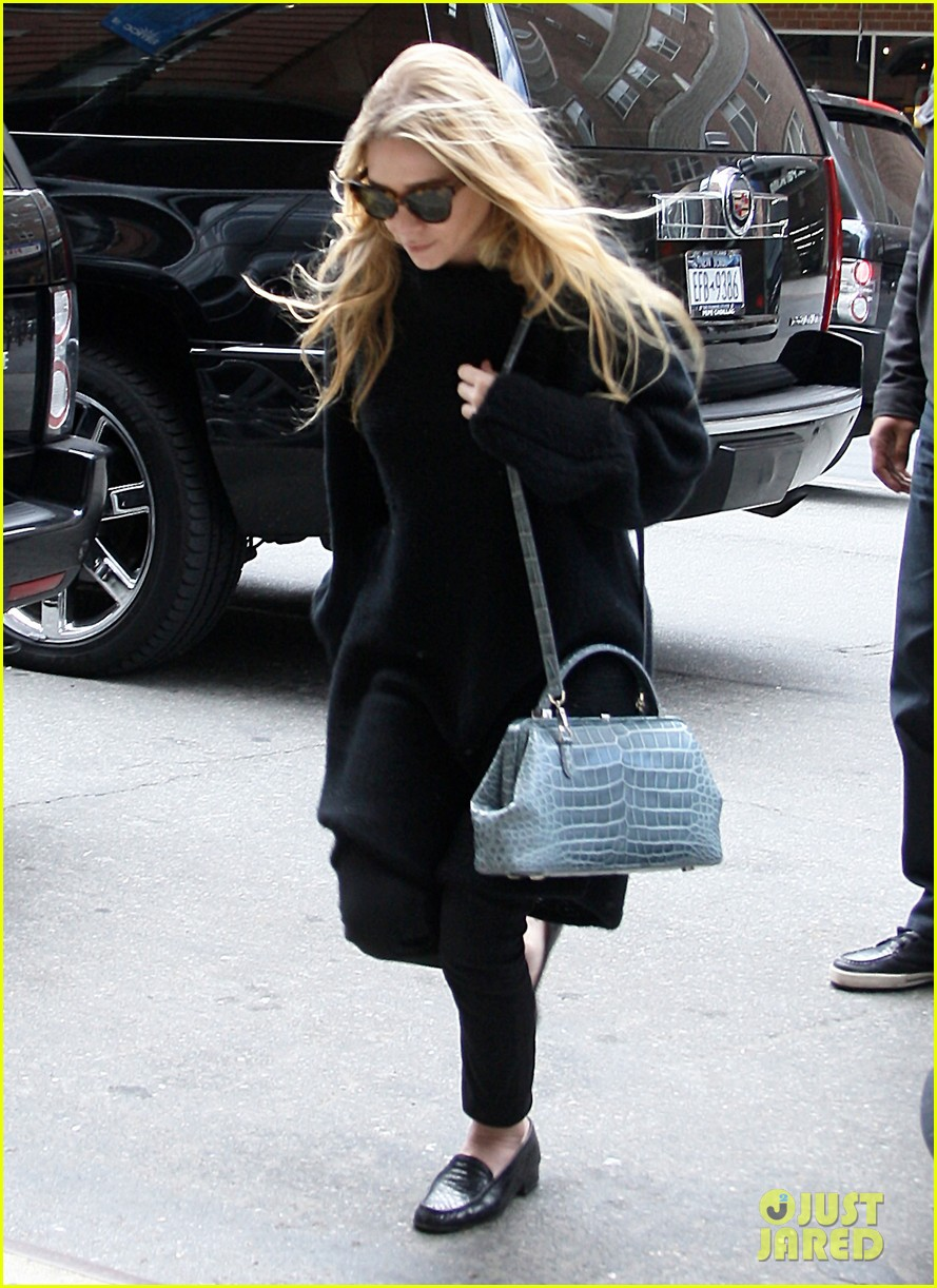 mary kate ashley olsen greenwich hotel visit 012856471