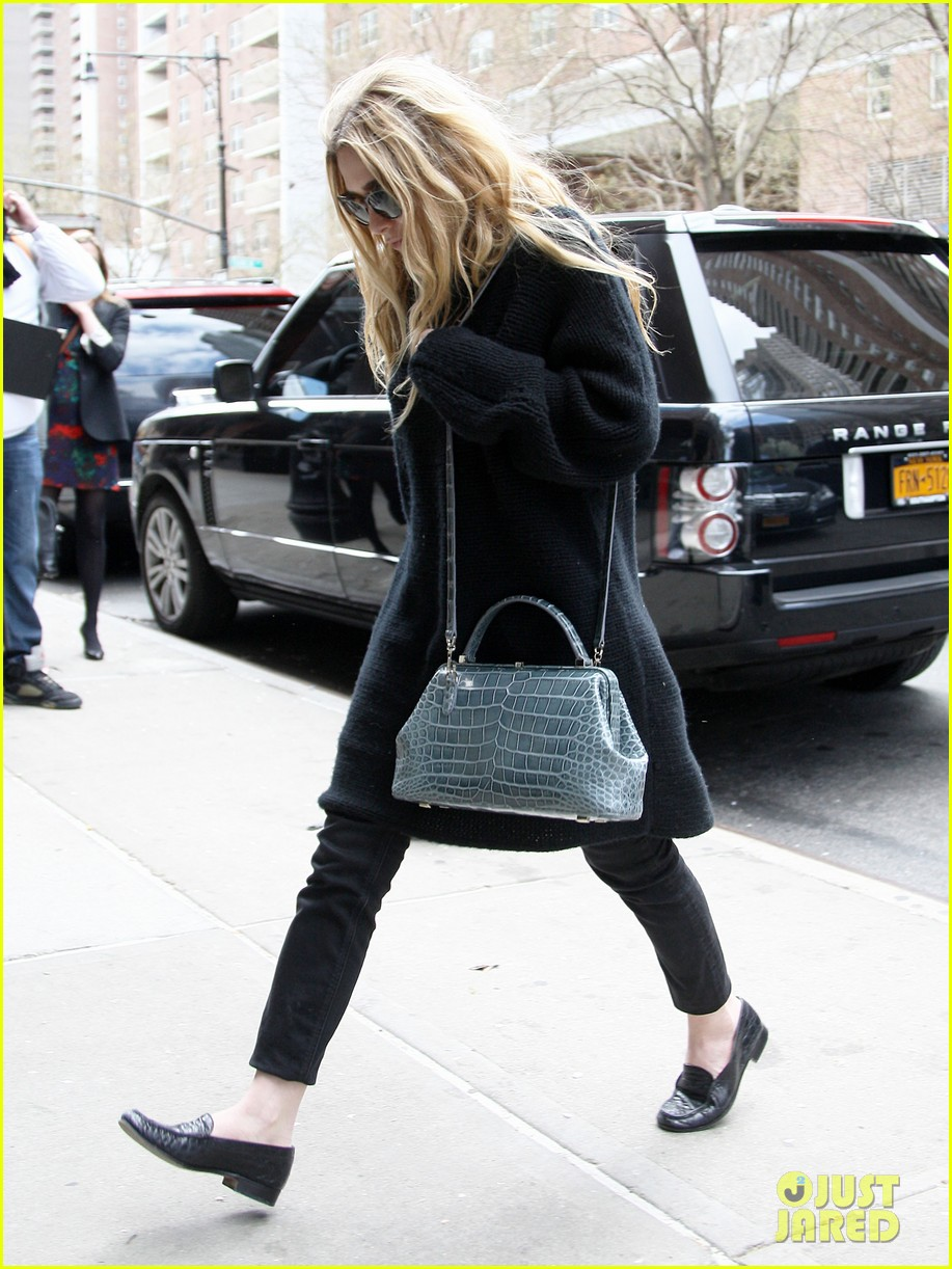 mary kate ashley olsen greenwich hotel visit 102856480