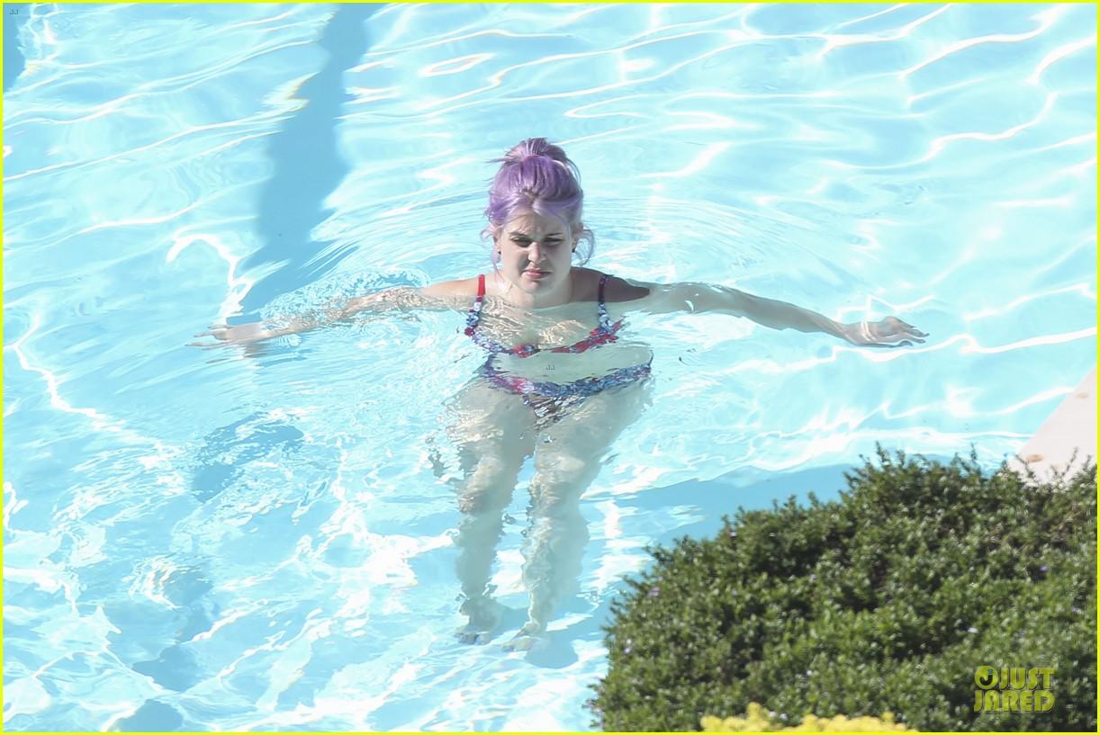kelly osbourne sydney bikini babe 122859369