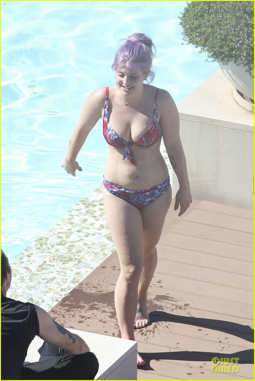 kelly osbourne sydney bikini babe 142859371