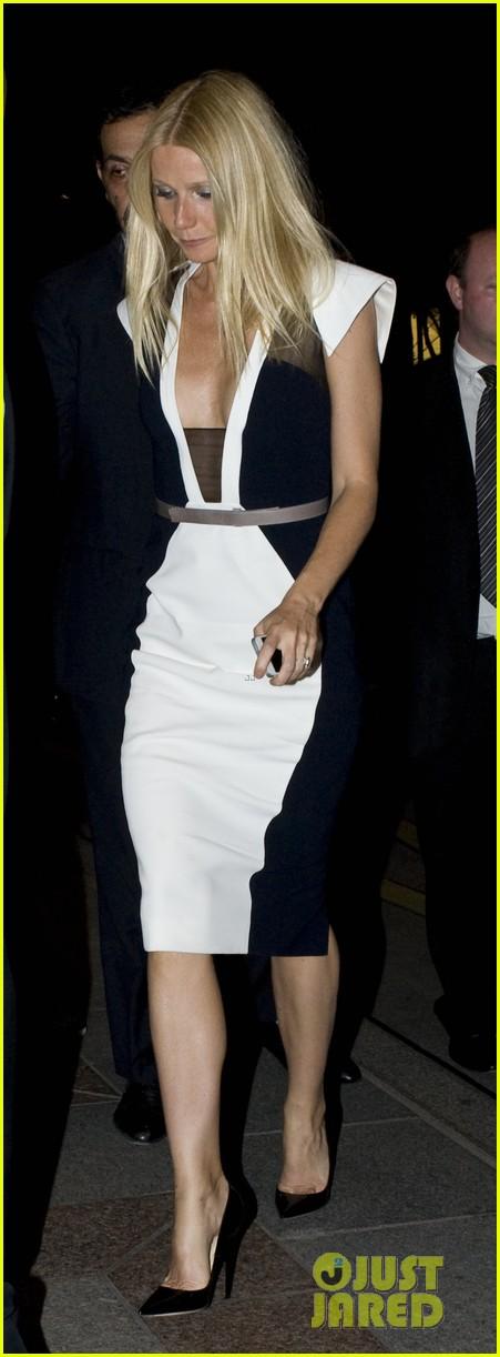 Gwyneth Paltrow: Chris Martin Dating Rumors Got Us Together!: Photo 2850538  | Chris Martin, Gwyneth Paltrow Pictures | Just Jared