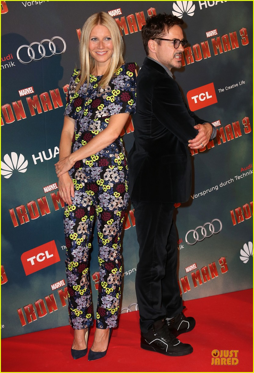 gwyneth paltrow robert downey jr iron man 3 paris premiere 012849808