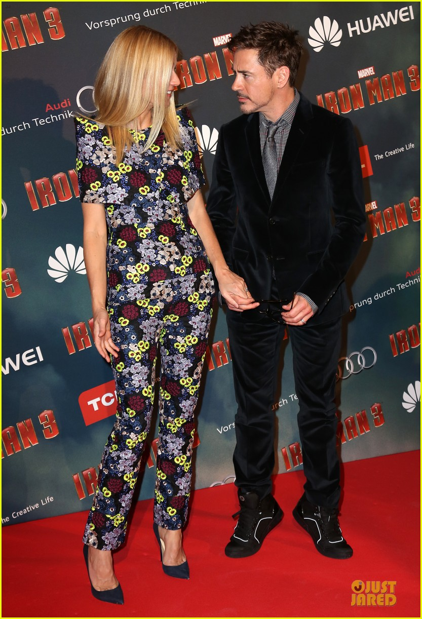 gwyneth paltrow robert downey jr iron man 3 paris premiere 082849815