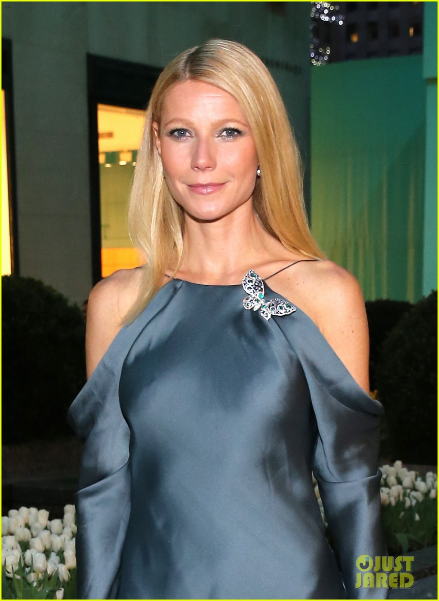 gwyneth paltrow sarah jessica parker tiffany blue book gala 022853034