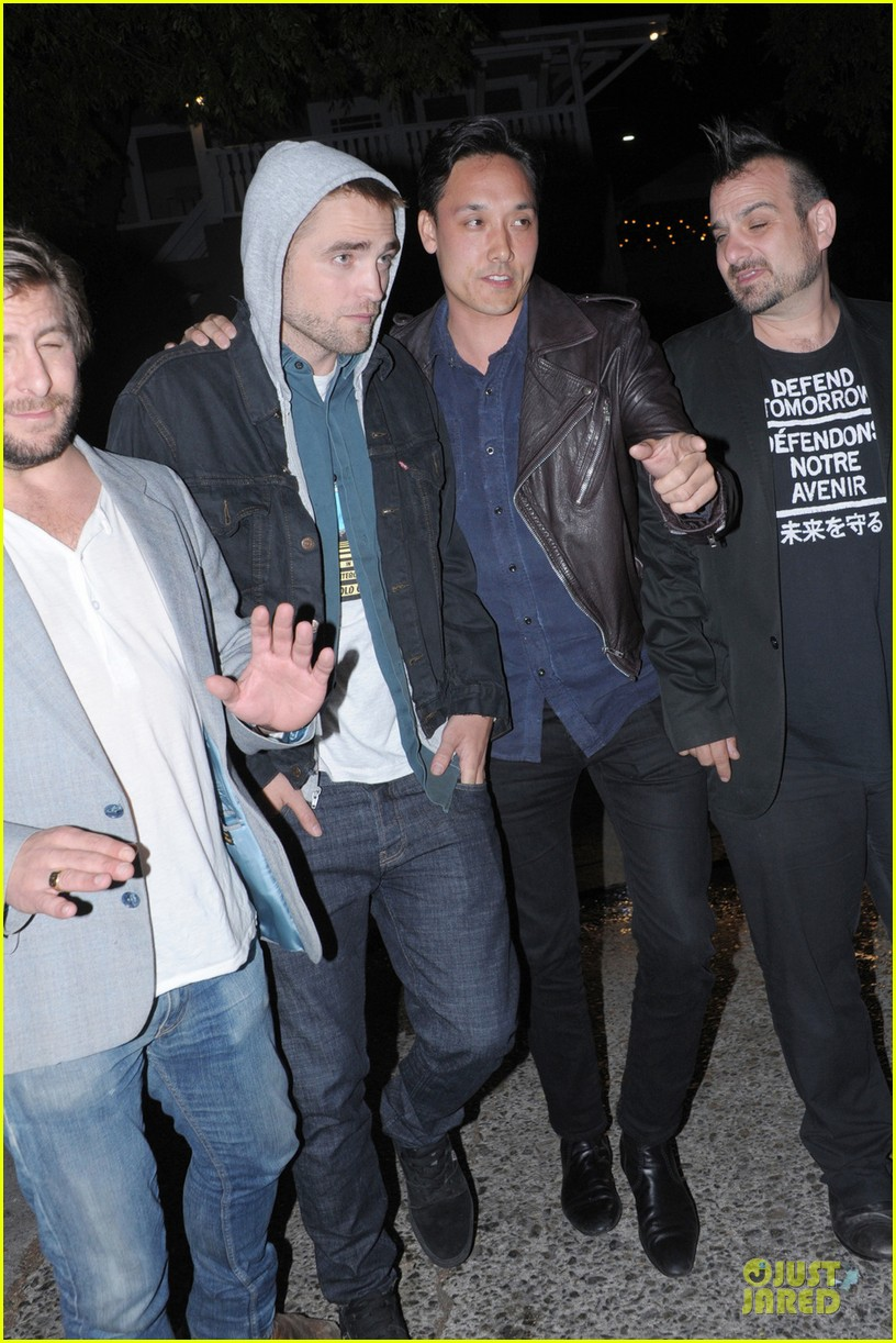 robert pattinson party with joaquin phoenix vince vaughn 032844192