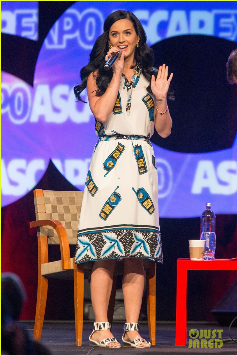 katy perry cell phone dress at ascap expo 012853118