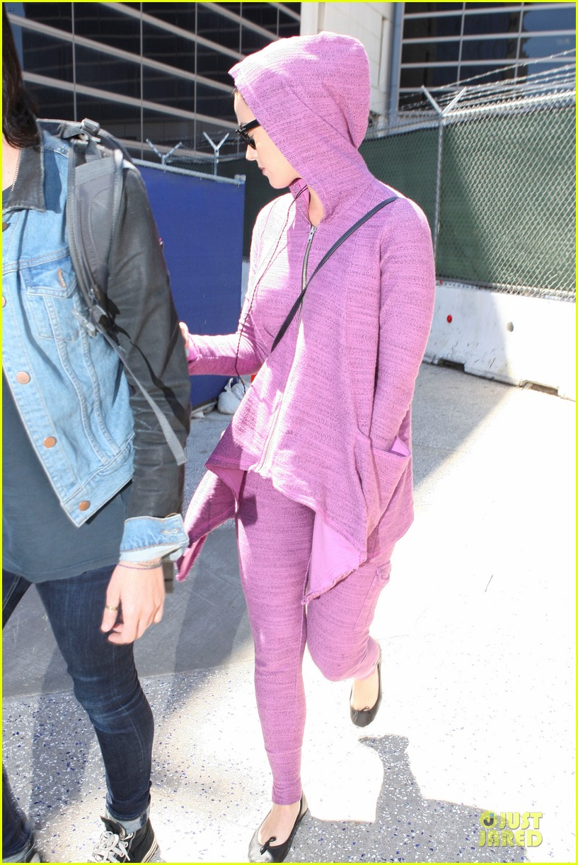 katy perry lax arrival after madagascar unicef trip 012846327