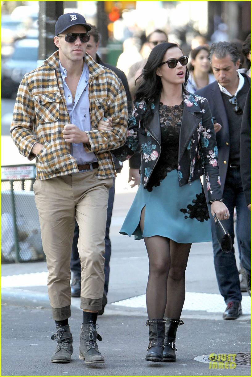 katy perry new york stroll with mystery man 032861377
