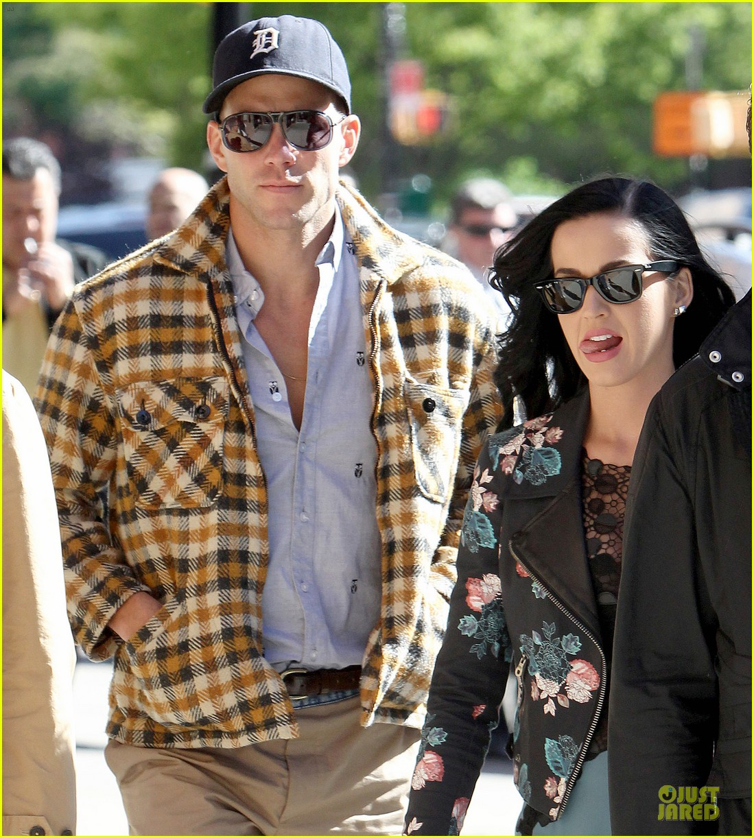 katy perry new york stroll with mystery man 042861378