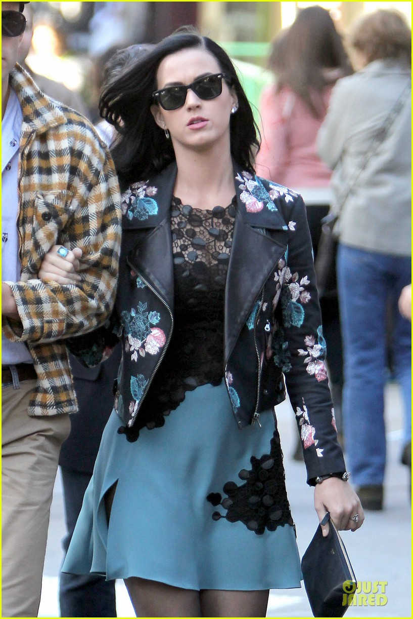 katy perry new york stroll with mystery man 092861383