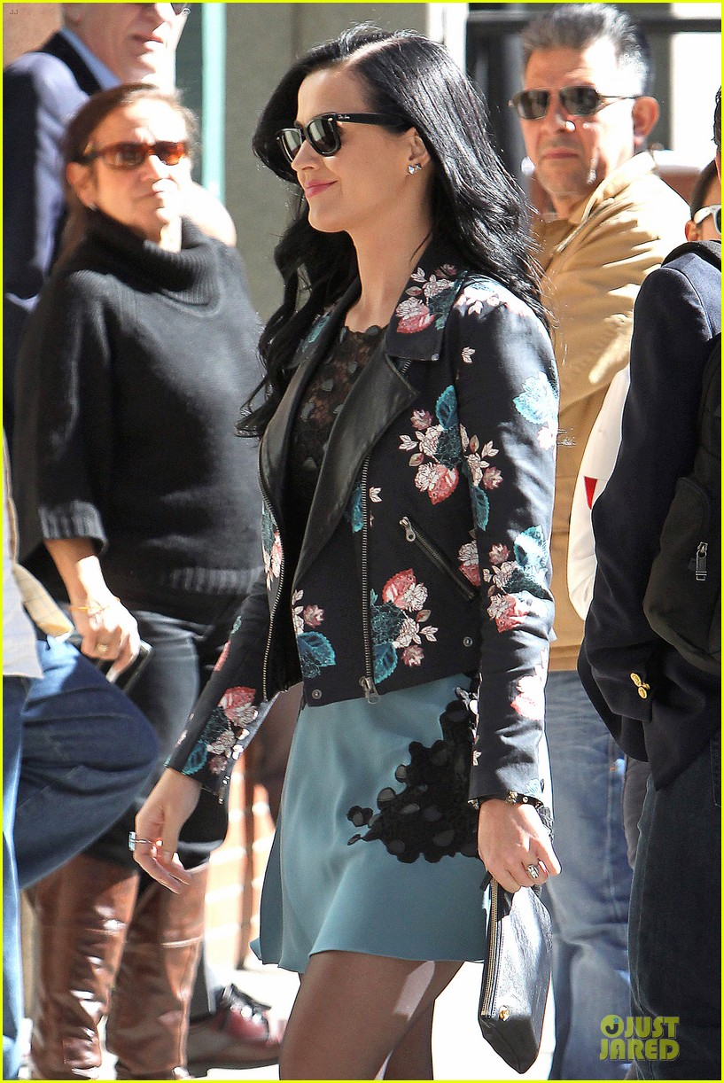 katy perry new york stroll with mystery man 102861384
