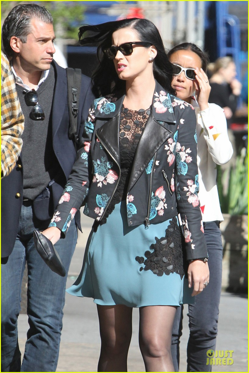 katy perry new york stroll with mystery man 112861385