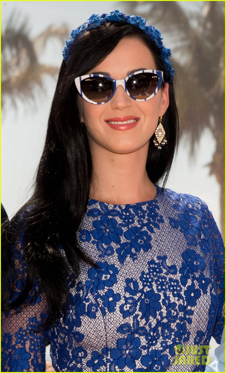 katy perry neil patrick harris smurfs 2 at summer of sony 072855736