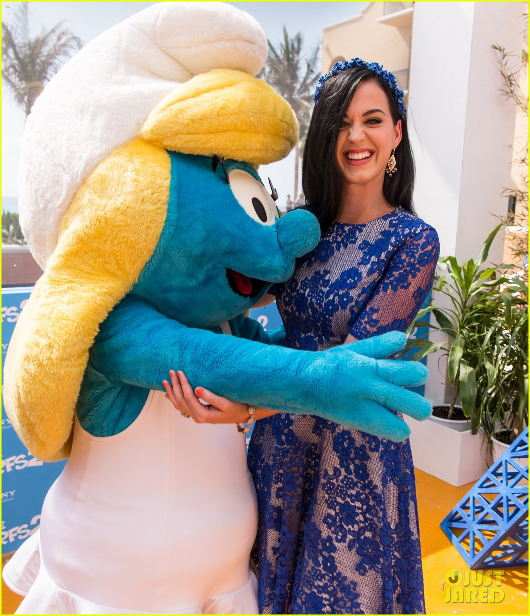 katy perry neil patrick harris smurfs 2 at summer of sony 112855740