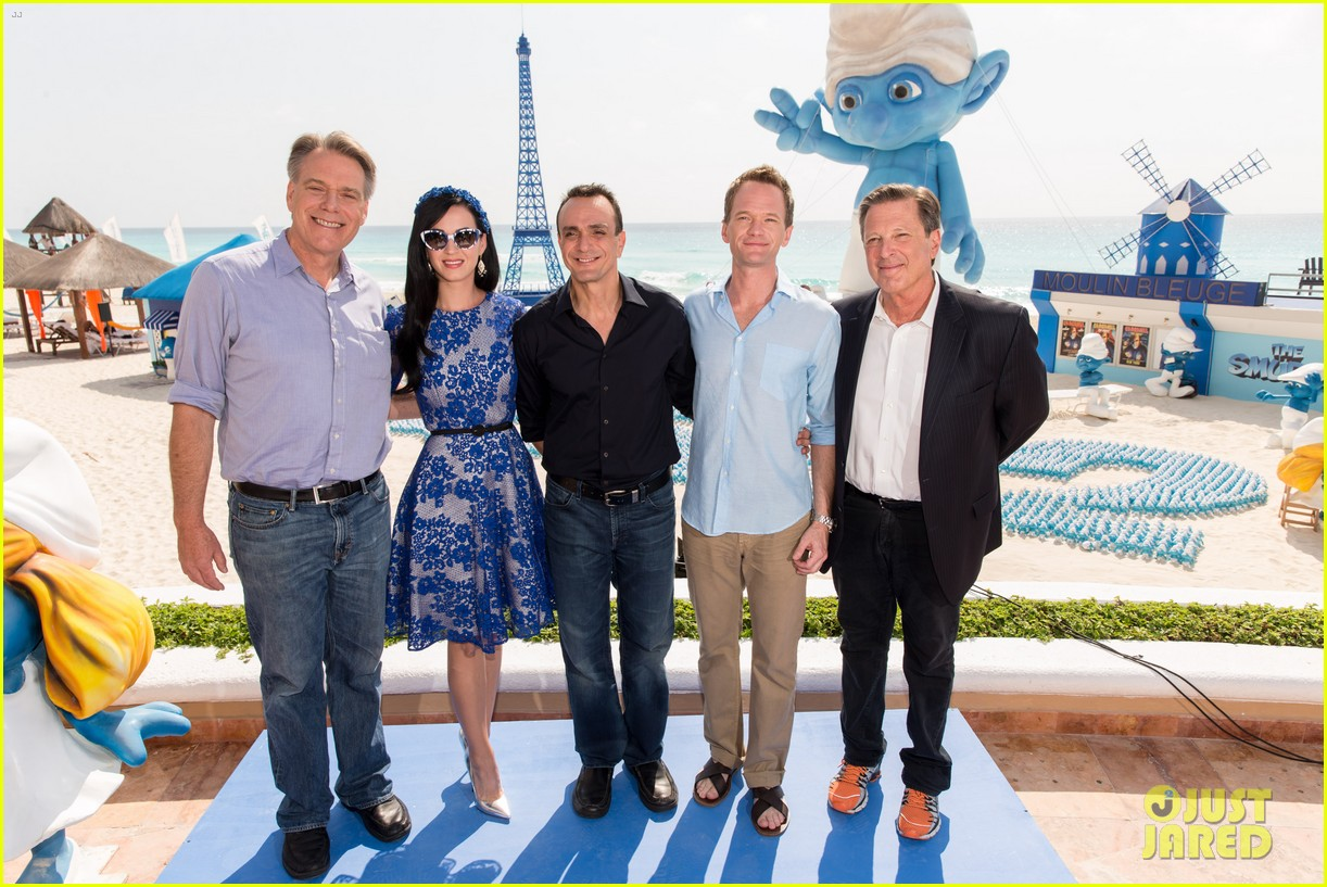 katy perry neil patrick harris smurfs 2 at summer of sony 202855749