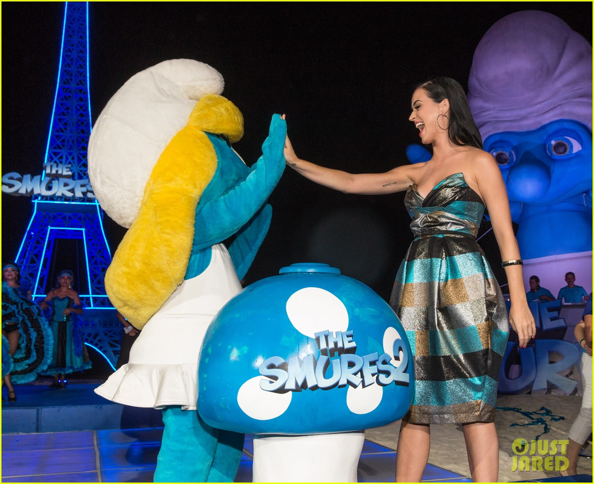 katy perry smurfs 2 summer of sony party 06
