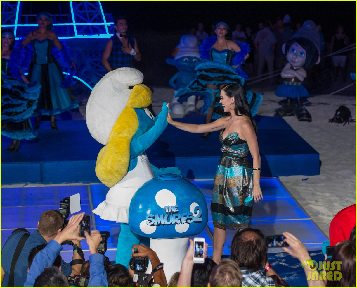 katy perry smurfs 2 summer of sony party 162856595